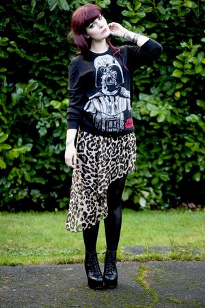 black H&M sweater - black litas Jeffrey Campbell boots - skirt