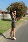 Dark-khaki-forever-21-skirt-aviator-rayban-sunglasses
