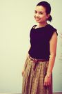 Black-dress-up-top-yellow-assisi-skirt
