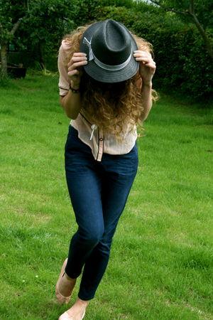 French Connection blouse - Topshop jeans - Bloch shoes - Primark hat - BLANCO ne