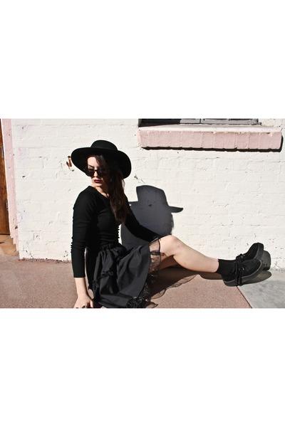lightinthebox skirt - H&M hat - anyshapes iphone case - lightinthebox top