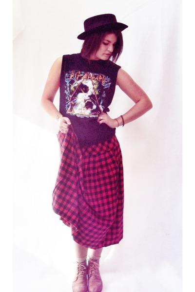 thrifted vintage skirt