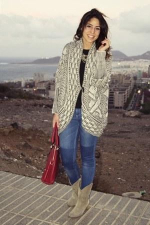 Zara cardigan - Zara boots - Stradiuvarius jeans - Dayaday bag