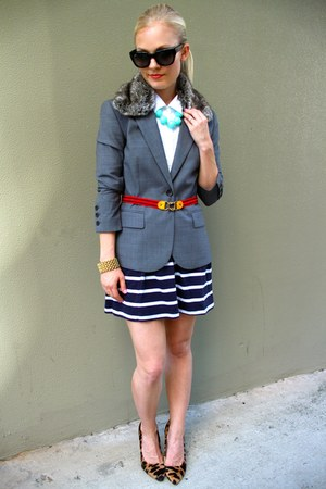 Theory blazer - ray-ban sunglasses - Mulberry heels