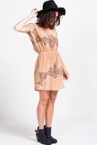 Line-dot-dress