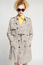 Line-dot-coat