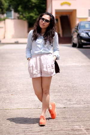 light blue denim H&M shirt - black max&co bag - light pink H&M shorts