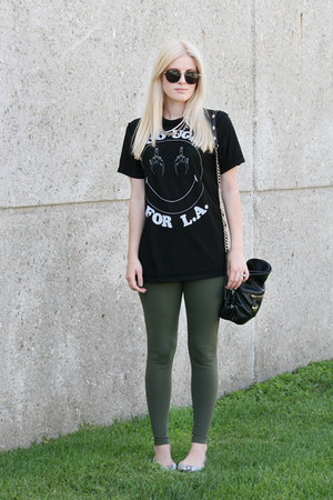 black round zeroUV sunglasses - olive green matty m leggings