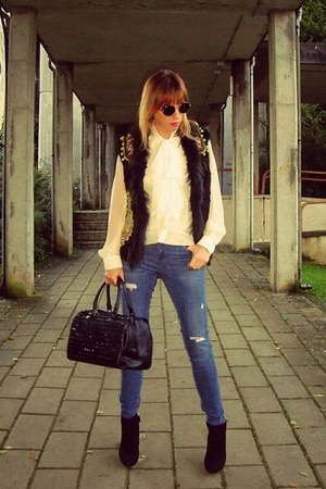 Zara jeans - Zara bag - casual and chic vest