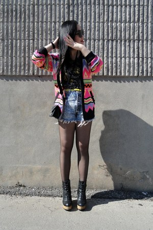 bubble gum H&amp;M cardigan - black Urban Outfitters boots - black H&amp;M tights