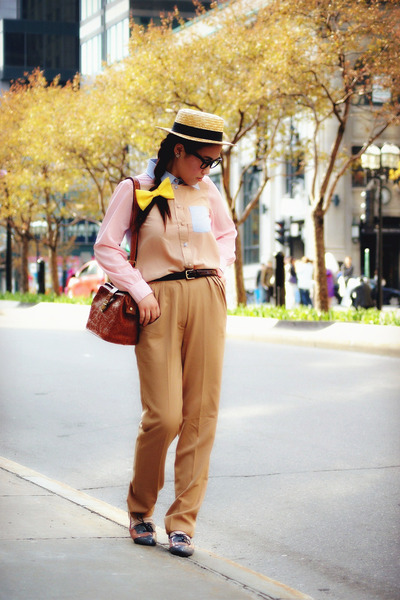 light brown H&amp;M hat - camel Urban Outfitters pants