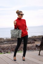 Furla bag - Guess jeans - Zara sweater