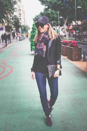 Zara jeans - Maje blazer - New Balance sneakers