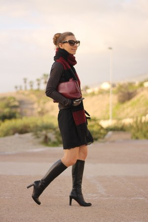 Christian Louboutin boots - Zara dress - Prada bag