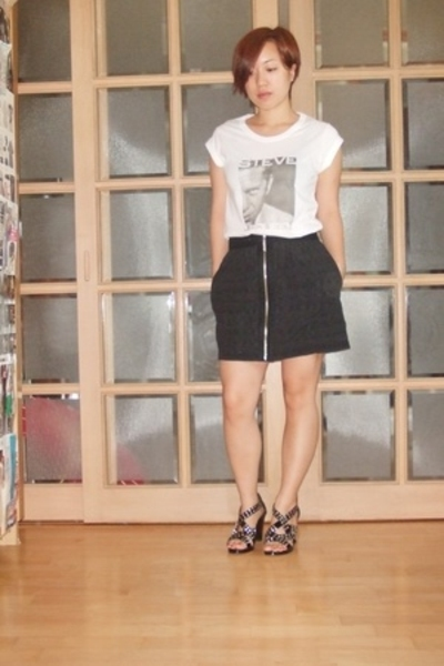D&G t-shirt - richard chai skirt - Burberry shoes