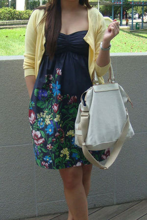 yellow Dano cardigan - blue Zara dress - beige dooney & burke bag