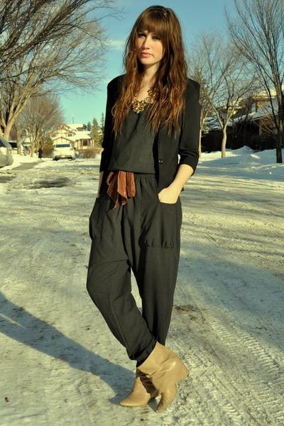dark green Zara jumper - camel Zara boots - black thrifted blazer