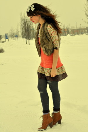 brown blue notes vest - light brown the bay boots - salmon China Town dress