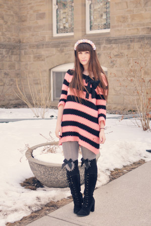 black lace up boots Forever 21 boots - pink Twin-Set sweater - black OASAP socks
