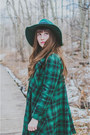 Light-brown-thrifted-boots-forest-green-chicwish-bow-chicwish-coat