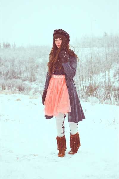 bubble gum OASAP skirt - tawny Aldo boots - ivory Chinese Laundry tights