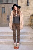 black hat floppy hat Jessica Simpson hat - eggshell faux fur vintage jacket - br