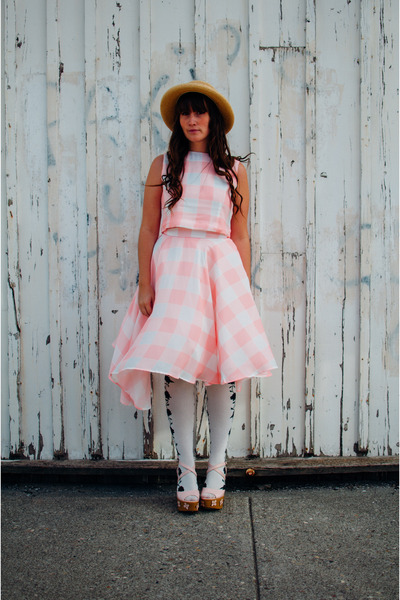 Bubble-gum-gingham-chicwish-dress-nude-value-village-hat
