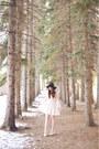 White-lace-dress-oasap-dress-off-white-oasap-heels