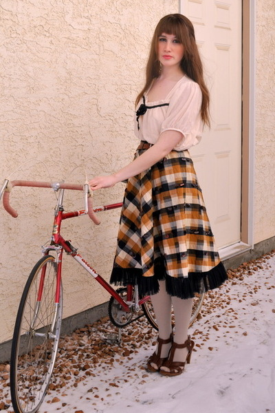 red bicycle free bicycle accessories - brown chicshopca Vintage skirt