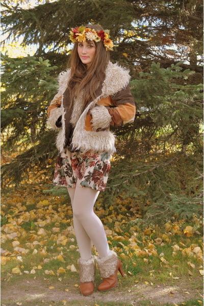 bronze faux fur vintage jacket - purple mama stone vintage dress