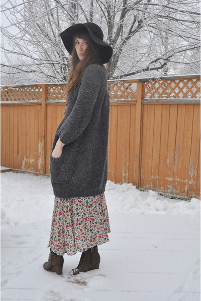 value village thrifted dress - hat floppy hat Jessica Simpson hat - sweater winn