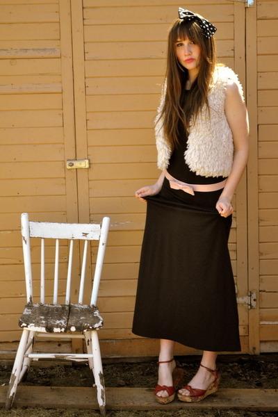 black maxi maxi dress Forever 21 dress - cream China Town vest - red value villa