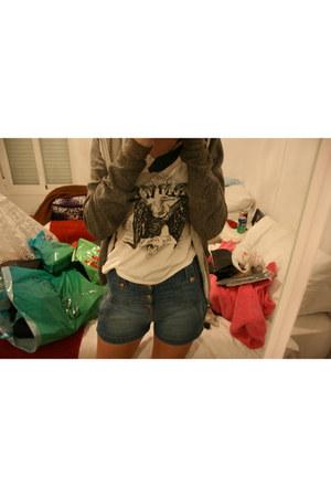 Bershka shorts - H&M t-shirt - American Apparel hoodie
