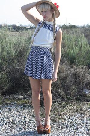 vintage from Ebay dress - thrifted vintage hat - Jessica Simpson heels