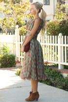 Steve Madden boots - vintage dress - vintage purse