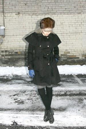 black whitecrowonlinecom coat - brown fur vintage hat - blue vintage gloves