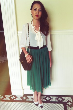 f21 skirt - Chanel bag - H&M necklace - vintage pumps - f21 blouse