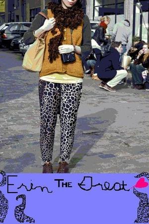 vest - scarf - sweater - leggings - shirt - Doc Marten shoes