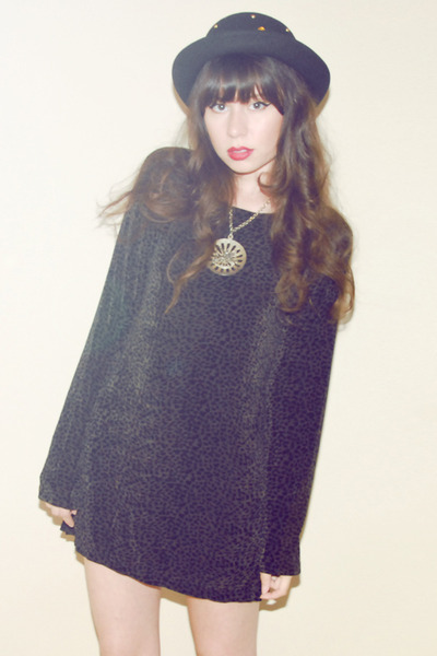 black leopard vintage dress - black bowler vintage hat - silver vintage necklace
