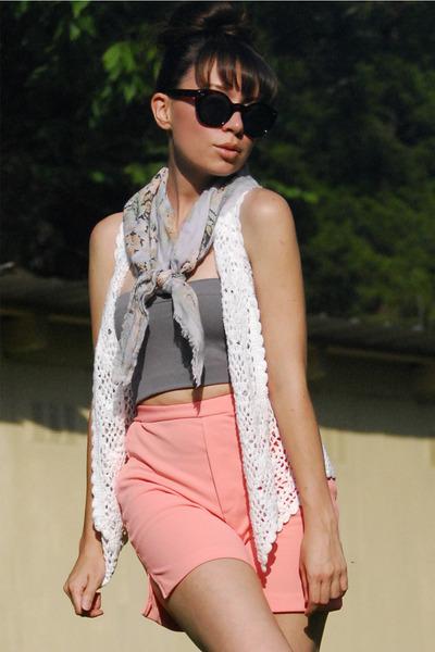 crochet vintage vest - paisley vintage scarf - high rise vintage shorts