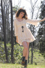 Ivory-lace-babydoll-romwecom-dress-burnt-orange-round-vintage-sunglasses-gol