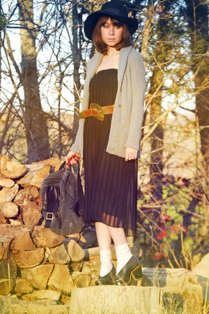 black sheer pleated vintage dress - black platform farylrobin shoes