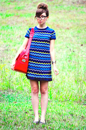luggage Samsonite bag - flatforms shoes - Missoni dress - cateye glasses