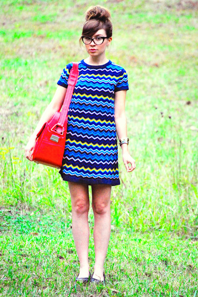 cateye glasses - flatforms shoes - Missoni dress - luggage Samsonite bag