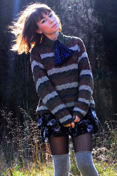 brown striped vintage sweater - ivory vintage shoes