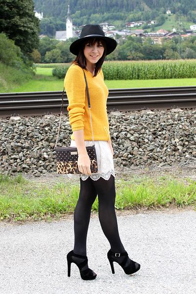 yellow Takko jumper