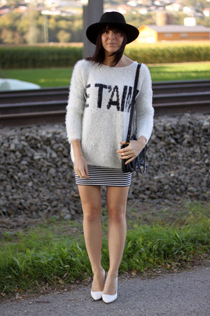 white Forever 21 jumper