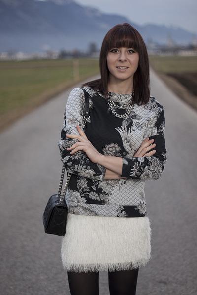 white H&M skirt