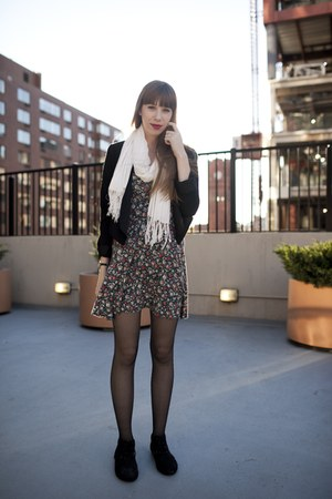 white fringed scarf - black lace up oxfords shoes