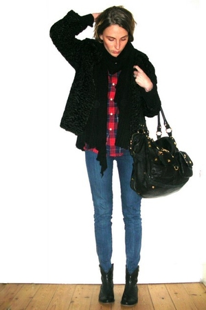 red vintage shirt - black vintage jacket - blue Stella McCartney jeans - black G